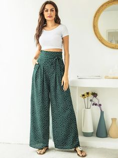 To find out about the Polka Dot High Waist Wide Leg Pants at SHEIN, part of our latest Pants ready to shop online today! Square Pants Outfit Casual, Casual Outfits, Black Lace Midi Dress, Lace Dress With Sleeves, Loose Pants, Wide Leg Pants, Slender Girl, Plus Size Formal Dresses, Type Of Pants