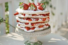 This strawberry meringue layer cake is inspired by the Swedish midsummer cake and the Australian pavlova. Strawberry Meringue, Strawberry Recipes, Strawberry Pavlova, Strawberry Jam, Swedish Recipes, Sweet Recipes, Cupcake Cakes, Cupcakes, Meringue Cake