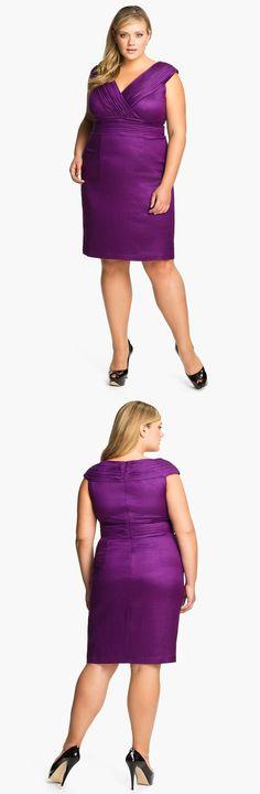 """Adrianna Papell Shimmer Vestido Bainha Sobrepeliz (Plus). Uma pitada de brilho metálico ilumina um vestido justo em forma de ampulheta com densamente painéis plissadas envolvendo o corpete sobrepeliz e circulando a cintura império.  Escondido back-zip encerramento.  Totalmente alinhado.  Aprox. comprimento do ombro à bainha: 42 """".  Por Adrianna Papell."""