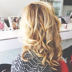 Loose waves and curls will never go out of style! Click the image link to call Cherry Blow Dry Bar about your wedding look today! Image credit: Cherry Blow Dry Bar Facebook.