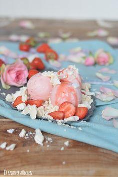 Erdbeer Joghurteis mit Baiser 5