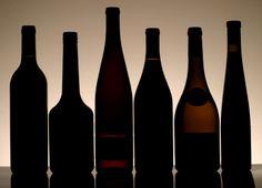Die Zeiten, in denen beinahe alle 0.75 Liter Weinflaschen die normierten Standardmasse aufwiesen,  sind definitiv vorbei. In den letzten Jahren haben sich Flaschenformen und -längen, welche zum Teil stark von den Normmassen abweichen, zu etablieren begonnen. Dies führt zu neuen Herausforderungen bei der Weinlagerung – und speziell bei der Lagerung in Weinklimaschränken  […]