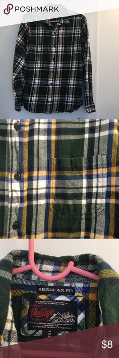 Flannel💕💁🏻 Cute flannel is forest green plaid. Sizing is men's medium but could is definitely a unisex piece. Great condition, pretty thick Old Navy Tops Button Down Shirts