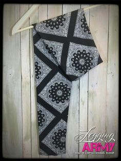 Fleece lined leggings that are so comfortable and affordable! Check out this gorgeous design http://leggingarmy.com/#ashleyfarr