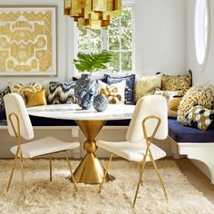9 Tips On How To Style Modern Rugs Like Jonathan Adler | Contemporary Rugs. Dining Room Ideas. #modernrugs #contemporaryrugs #rugs Read more: http://www.contemporaryrugs.eu/tips-style-modern-rugs-like-jonathan-adler/