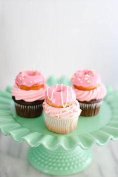 Donuts + Cupcakes in any combination are a match made in heaven! Today we are sh… Donuts + Cupcakes in any combination are a match. Donut Party, Donut Birthday Parties, Cupcake Party, Birthday Fun, Cupcake Cakes, Donut Birthday Cakes, Girl Birthday Cupcakes, Baby Girl Cupcakes, Cupcake Piping