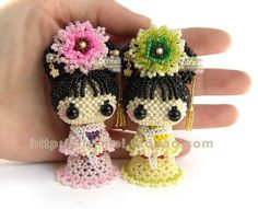01 - leticia cristina - Picasa Web Albums Beading Projects, Beading Tutorials, Beading Patterns, Beaded Crafts, Wire Crafts, Crochet Poppy, Motifs Perler, Peyote Beading, Beaded Animals