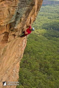 Adrian Laing on his Arch Enemy (27), The Birdcage at Porters Pass, Blue Mountains, Australia. Simon Carter