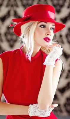 Red lips and cat eyes makeup will dress up any outfit. - TheSavvyChef - - Red lips and cat eyes makeup will dress up any outfit. Red Hat Society, Glamour, Love Hat, Red Hats, Women's Hats, Red Fashion, Fashion Styles, Fashion Models, Fashion Beauty