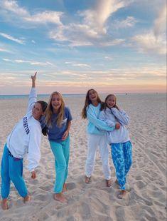 Cute Friend Pictures, Best Friend Pictures, Friend Pics, Bff Goals, Best Friend Goals, My Best Friend, Summer Pictures, Beach Pictures, Summer Goals