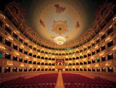 La lista dei 12 teatri più belli al mondo è del quotidiano britannico The Indipendent  .La Fenice Venezia
