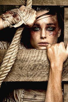 Esmey torturée