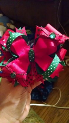 Red/green bow