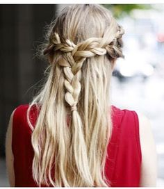 Romantic hairstyle - JLJR