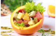 Owocowo-ziołowa sałatka serowa