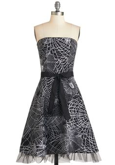 perfect Halloween dress for those that don't let getting dressed up!