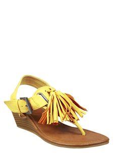 MADDEN GIRL Wellview, yellow sandals