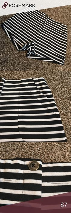 Black and white striped shorts 💕 B&W striped shorts - zip up and button front and fake pocket detail on back love tree happens Shorts