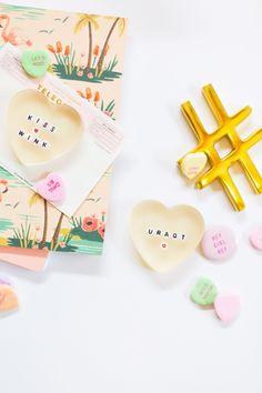 DIY Resin Conversation Heart Paperweights @LovelyIndeed