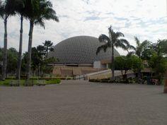 Centre civique, au parc Forestal, Guayaquil