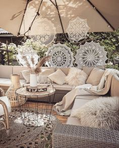 - Outstanding Outdoor Lounge Ideas For Your Home, outdoor living space designs - Outdoor Lounge, Outdoor Spaces, Outdoor Decor, Outdoor Living, Bohemian Patio, Bohemian Decor, Boho Chic, Patio Design, Lounges