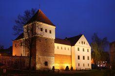 Das Czettritz'sche Schlösschen zu Gleiwitz wird heute als Museum genutzt. Gliwice - Castle by night — Foto Lestat