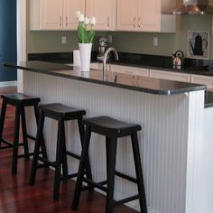 Beadboard an island - white cabinets, green kitchen Old Kitchen, Updated Kitchen, Kitchen Decor, Kitchen Island, Kitchen Ideas, Nice Kitchen, Kitchen Images, Green Kitchen, Beautiful Kitchen