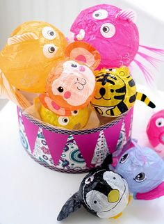 (Kamifusen) Japanese Paper Balloons for Children. I would buy mine at the 100 yen shop. So cute!