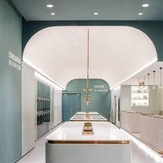 上海店面设计 | 斗西设计 | 新零售空间 | 体验空间 | 消费升级 | 品牌打造专业团队 Clinic Interior Design, Retail Interior Design, Patio Interior, Cafe Interior, Cafe Design, Design Blogs, Store Design, Commercial Design, Commercial Interiors