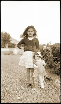 Print antique french photo 1930's - Girl with SFBJ Doll