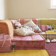 cheaper ways to get the best bohemian sectional floor couch perfect for your apartment! cheaper ways to get the best bohemian sectional floor couch perfect for your apartment! Floor Cushion Couch, Floor Couch, Floor Cushions, Cushions On Sofa, Funky Cushions, Throw Pillows, Moroccan Living Room Furniture, Chill Lounge, Diy Couch