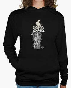 BICICLETA. Sudadera con capucha y bolsillo canguro para los amantes del #ciclismo. Sal con tu bici luciendo este diseño exclusivo con nube de palabras para una experiencia de libertad placentera y sana (para ti y para el medio ambiente)/ Unisex modern style sweatshirt for #cycling lovers. Ride your bike wearing this exclusive design with a cloud of words that evoke an experience of pleasurable and healthy freedom (for you and the environment)…