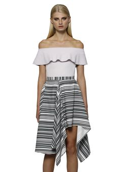 95824b92b8 BY JOHNNY. Bare Shoulder Frill Structure Top