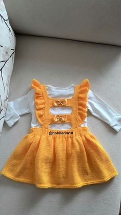 Image gallery – Page 479140847853484020 – Artofit Baby Cardigan Knitting Pattern, Baby Knitting Patterns, Knitting Designs, Baby Girl Crochet, Crochet Baby Clothes, Yellow Party Dresses, Knit Baby Dress, Baby Girl Sweaters, Baby Pullover