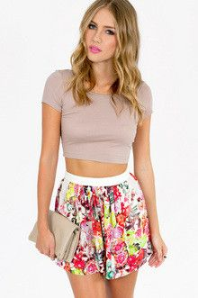 love these shorts, cause they look like a skirt