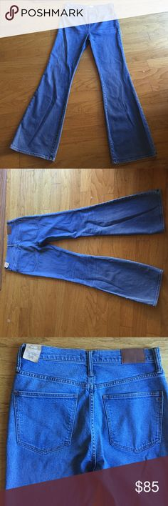 MADEWELL flea market flare size 30/36 NWT jeans MADEWELL flea market flare jeans NWT 30/36 98% cotton 2% elastine they have stretch Madewell Jeans Flare & Wide Leg