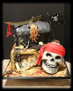Arrr!  Cake by Sandrascakes you ol' skalleywag!