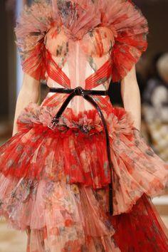 fashion:    Alexander McQueen SS18. #Fashion #Style
