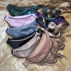 Fashion Bags, Fashion Shoes, Leather Art, Leather Accessories, Small Bags, Backpack Bags, Fanny Pack, Amazing Women, Pouch