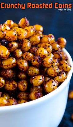 Spicy and crunchy roasted corns. These are guilt-free, gluten-free and tasty savory snacks you will fall in love with at first bite! via Sandra Angelozzi Savory Snacks, Healthy Snacks, Healthy Eating, Healthy Recipes, Corn Snacks, Think Food, I Love Food, Food For Thought, Appetizer Recipes