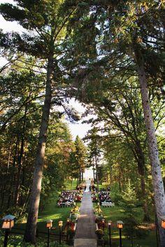 Grand View Lodge | Bridal and Wedding Planning Resource for Minnesota Weddings | Minnesota Bride Magazine