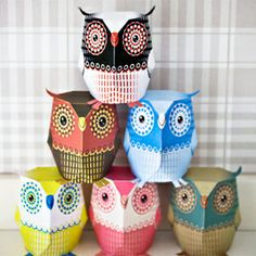 Fold your own super cute paper owls. Template from 3eyedbear, free to download for personal use. (in Swedish and English)