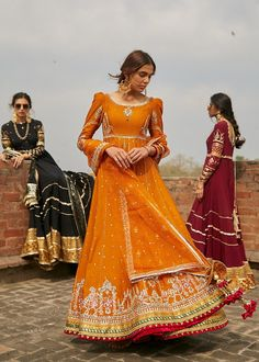 Indian Bridesmaid Dresses, Desi Wedding Dresses, Pakistani Wedding Outfits, Indian Dresses, Indian Outfits, Mehendi Outfits, Punjabi Wedding, Bridal Outfits, Simple Pakistani Dresses