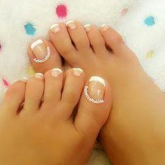 It's Monday Pedi: Simple Plaid French Toe Nails