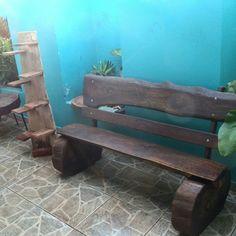 Bancos Rústicos feitos de tora de madeira