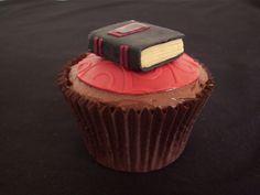 Book cupcake