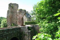 Scottish Castles, Unusual Homes, 14th Century, Beautiful Places, Amazing Places, Edinburgh, Mount Rushmore, The Good Place, Scotland