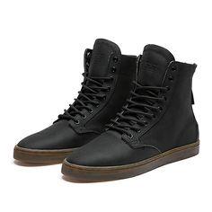 WOLF BLACK / BLACK - BLACK