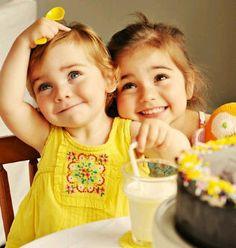 little ones via Little People, Little Ones, Little Girls, Cute Kids, Cute Babies, Baby Kids, Baby Baby, Yellow Cottage, Beautiful Children