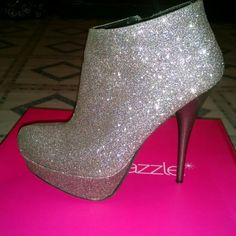 🎈Closet Closing 🎈 👑Practically new worn twice 👑perfect for a night out 👑glitter,glitter all over  👑 fast shipping  👑pet/smoke free home Shoes Heels